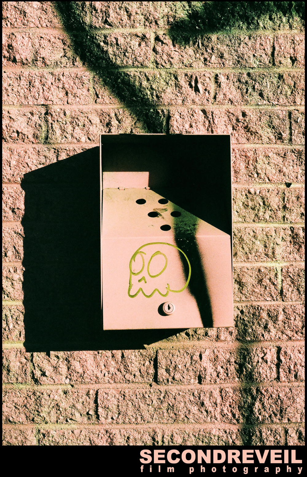 MONTREAL-STREET-PHOTOGRAPHY-FILM-PHOTO-35MM-QUENTIN-ANDRUP